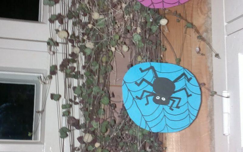 askarteluohje hämähäkkikoristeita halloweeniksi