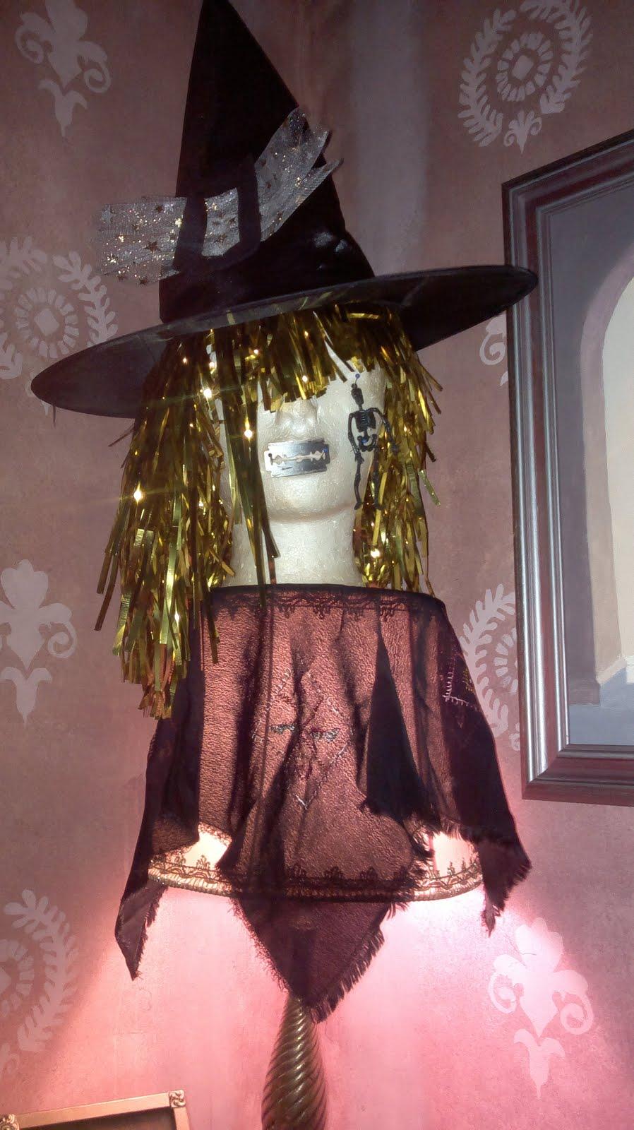 Loihdi noita Halloween-juhliin! Askarteluohje Halloweeniksi