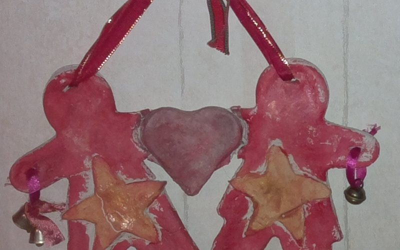 askartele suolataikinasta joulukoristeita