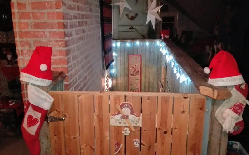 koti pukeutuu jouluun